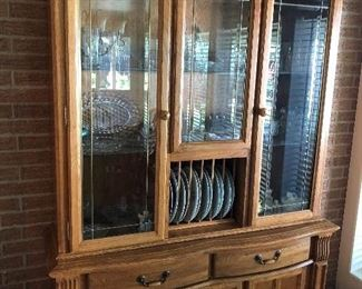 Oak china  cabinet excellent shape!!