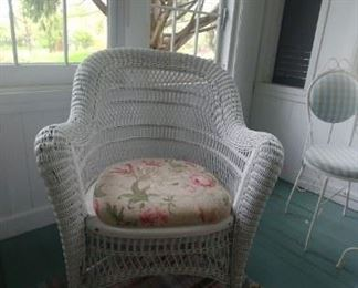 Wicker chair with upholstered seat