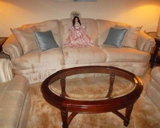 clean sofa, 2 chairs, oval coffee table