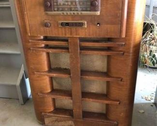 Antique Upright Radio