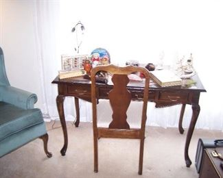 QUEEN ANNE-STYLE LEATHER-TOP WRITING TABLE, CHAIR & MISC.