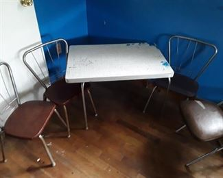 Children's Craft Table and Chairs        https://ctbids.com/#!/description/share/159249