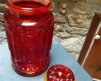vintage style red canister/jar https://ctbids.com/#!/description/share/159256