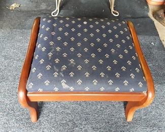 Foot stool https://ctbids.com/#!/description/share/159342