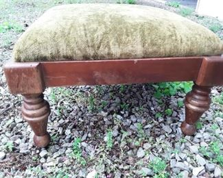 Foot stool https://ctbids.com/#!/description/share/159340