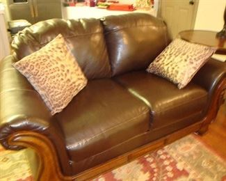 Leather love seat, like new