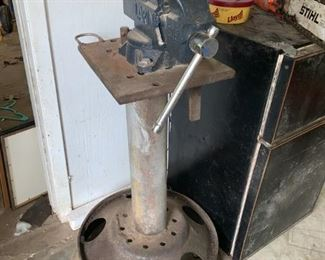 Large Vice with Stand ;)