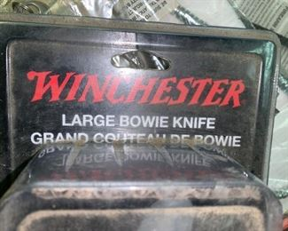 Winchester LARGE Bowie Knife, New in Package