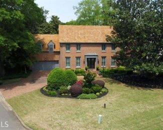 Stately traditional home in Horseshoe Bend