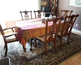 Chippendale Dining Table and 6 Chippendale Chairs - High quality. Contemporary Carpet.
