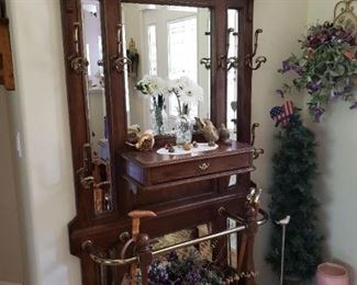 Retro Stately Hall Tree with Mirror.