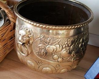 Brass Lion Head Pot