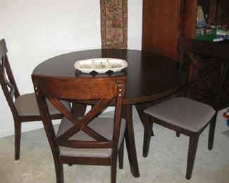 newer table w/ 4 chairs