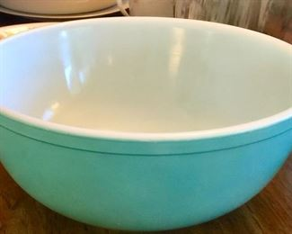 (The nesting Pyrex bowls)