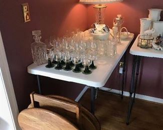 tv trays, barware, glassware, lamp
