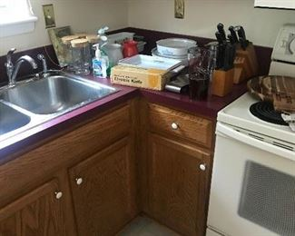knives and kitchen items