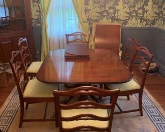 6 seat dining room table chairs  to leaf's and protector cover for table top. Excellent condition. 90 inch total with two leaf's. 50 without leaf's.