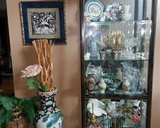 Oriental curio cabinet and decor. Collectibles.