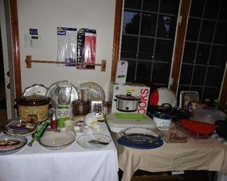 ·	Slow Cookers·	Bake Ware (great selection)