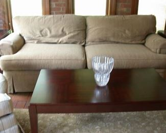 Sofa and coffee table that matches the end tables