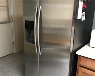 SAMSUNG REFRIGERATOR, 3 YEARS NEW