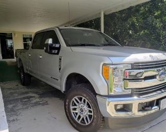 2017 FORD 250 LARIAT  DIESEL..  PRICE WILL BE OUT DAY BEFORE