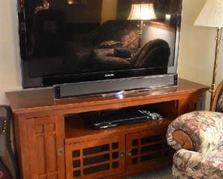 SAMSUNG FLATSCREEN (2009) SAMSUNG SOUND BAR, MISSION STYLE TV STAND