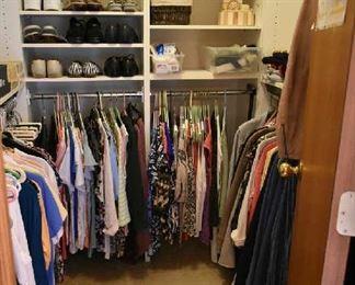 CLOTHING/SHOES-SIZE LARGE TO X LARGE