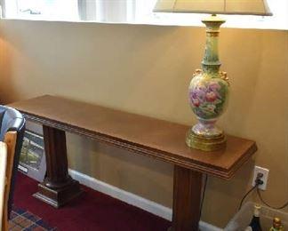 SOFA TABLE, LAMP