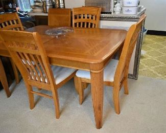 DINING TABLE W/1 LEAF & 4 CHAIRS