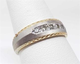 #44: 14k Gold Men's Band with Diamonds, 5.8g Weighs approx 5.8g, size 9.5, has Five 1/32 ct diamonds