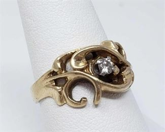 #100: 14k Gold Ring with Center Diamond Diamond is approx 1/16 ct, weighs approx 5.9g, size 8.5