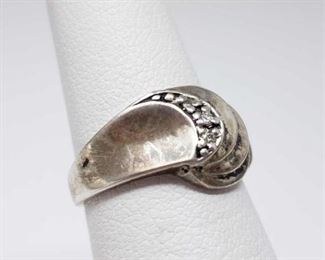 #208: Sterling Silver Ring with Diamonds, 3g Weighs approx 3g, size 5.5