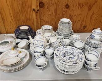 #1215: 4 Partial China Sets Metterteich Bavaria Lady Beatrice, J&G Meakin Classic, Furnival Limited and Retroneu
