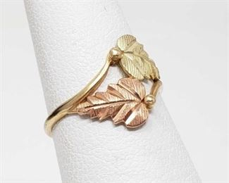 #46: 10k Gold Leaf Ring, 1.2g Weighs approx 1.2g, Size 5