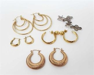 #129: Five Pairs of 14k Gold Earrings, 11.5g Combined weigh approx 11.5g