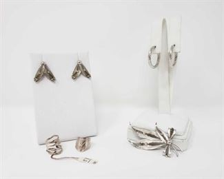 #101: .925 Sterling Silver Earring, Pin and Ear Clamp Set 16.3g Two earring pairs, two ear clamps and one pin, each .925 sterling silver and all together weigh approx. 16.3g Triangle-shaped earrings are clip-on earrings