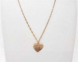 #175: 14K Gold Necklace With Heart Pendant 3.8g 14K gold necklace with heart-shaped pendant, approx. 3.8g