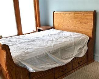 Oak Sleigh Bed https://ctbids.com/#!/description/share/155616
