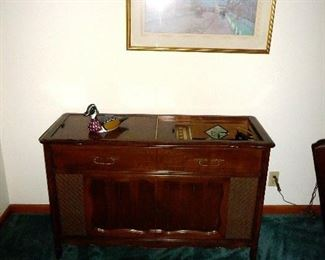 console record player