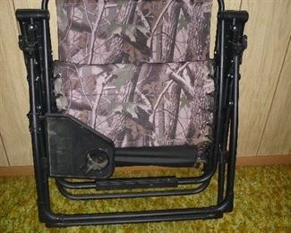 folding chair with cup holder