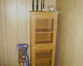 croquet set / small cabinet bookcase