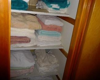 Loads of nice towels and linens