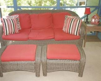 Gorgeous Hampton Bay wicker furniture in excellent condition!