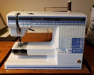 NICE VIKING SEWING MACHINE