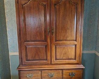 $100  Thomasville armoire