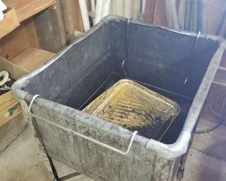 Parts wash bin