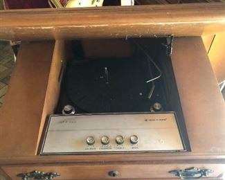 Voice of music.  Case with phonograph and speakers