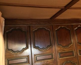 Headboard of canopy bed