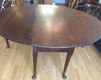 "Colonial Williamsburg George III Drop Leaf 66"" Table"
